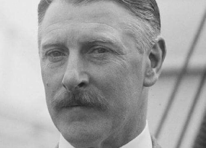 Sir Cecil Chubb Membeli Stonehenge