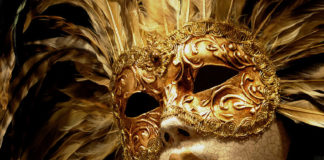 Sejarah Topeng, Warisan Budaya Ribuan Tahun Manusia